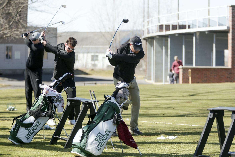 SUNY Adirondack golf players