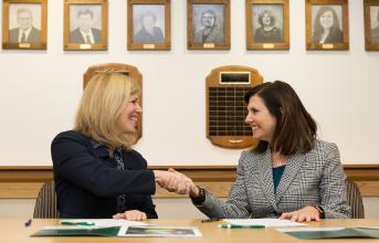 SUNY Adirondack and Castleton presidents sign agreement